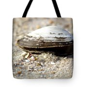 Lone Clam Tote Bag