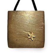 Lone Starfish On The Beach Tote Bag