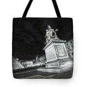 Louvre Museum 7 Art Bw Tote Bag