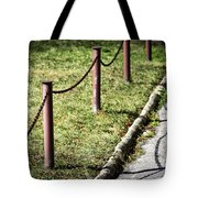 low fence Chain Tote Bag