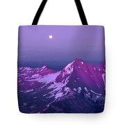 M05413 Moonrise Over Broken Top Tote Bag
