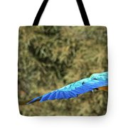 Macaw In Flight Tote Bag
