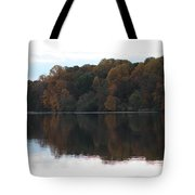 Maryland Autumns - Lake Elkhorn - Red Roof Tote Bag