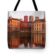 Mauritshuis And Hofvijver At Golden Hour - The Hague Tote Bag