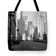 Michigan Ave Tall B-w Tote Bag