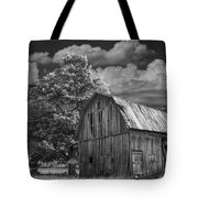 Michigan Old Wooden Barn Tote Bag