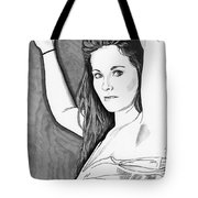 Model Shanna Tote Bag