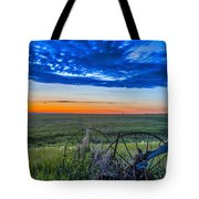 Moon And Venus In Conjunction At Dawn Tote Bag