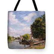 Moret-sur-loing Tote Bag by Alfred Sisley