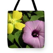 Nature In The Wild - The Odd Couple Tote Bag