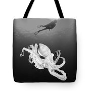 Octopus And Diver - Bw Tote Bag