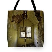 Old House 1 Tote Bag