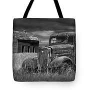 Old Vintage Pickup In Black And White By An Abandoned Farm House Tote Bag