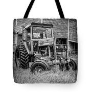 Old Vintage Tractor On A Farm In New Hampshire Square Tote Bag