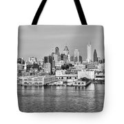 Philadelphia From The Waterfront In Black And White Tote Bag