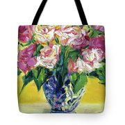 Pink Roses In Blue Deft Vase Tote Bag