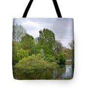Pond At Buckingham Palace London Tote Bag