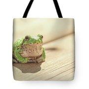 Posing Tree Frog Tote Bag