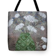 Queen Anne's Lace In Green Vase Tote Bag