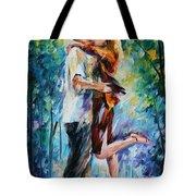 Rainy Kiss Tote Bag