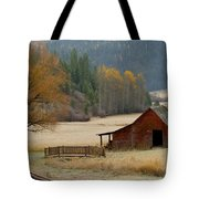 Red Barn In Autumn Tote Bag