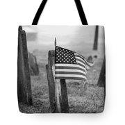 Remember W/white Round Frame Tote Bag