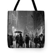 Rockefeller Center Christmas Tree Black And White Tote Bag