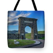 Roosevelt Arch At Yellowstone Dsc2522_05252018 Tote Bag