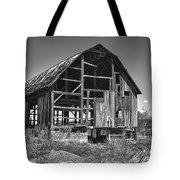 Rt 16 Barn 1302a Tote Bag