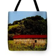 Rustic Barn In Carthage Tennessee Tote Bag