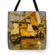 Sailing Boat On The Canale Della Giudecca Tote Bag