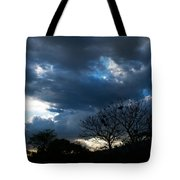 San Salvador Sunset 4 Tote Bag