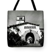 Santa Barbara Courthouse Black And White-by Linda Woods Tote Bag