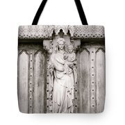Sculpture Above North Entrance Of Westminster Abbey London Bw Tote Bag