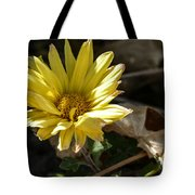 Single Yellow Mum Tote Bag