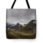Snow And Fog Over Glengo Mountain In Scotland. Tote Bag