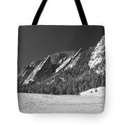 Snow Dusted Flatirons Boulder Co Panorama Bw Tote Bag