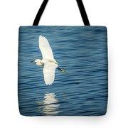 Snow Egret In Flight Tote Bag