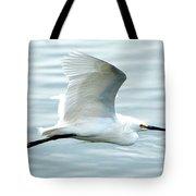 Snowy Egret In Flight Tote Bag