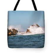 Spectacular Waves Smashing On The Rocks At Milford Sound Fjord O Tote Bag