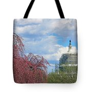 Spring In Washington And Dressed In Scaffolding Tote Bag