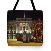Statues View Of Buckingham Palace Tote Bag