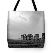 Stonehenge - B/w 1 Tote Bag