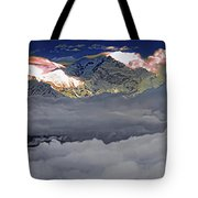 Sunrise On Kanchenjunga Tote Bag