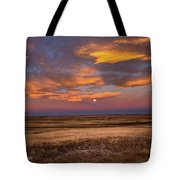 Sunrise On The Plains - Moon Over Prairie In Eastern Colorado Tote Bag