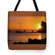 Sunset At Sarasota Bayfront Park Tote Bag