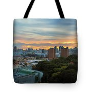 Sunset Over Clarke Quay And Fort Canning Park Tote Bag