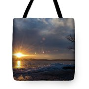 Sunset Over The Mississippi In Wisconsin Tote Bag