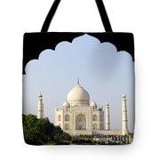 Taj Mahal At Sunrise Tote Bag