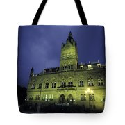 Town Hall At Night In Manchester Tote Bag